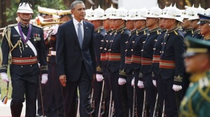 Obama inspecting the honor  guard in Manila