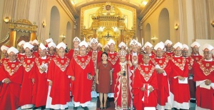 File photo: Philippine bishops with former President Gloria Macapagal Arroyo