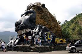 The famous Lion Sculpture that welcomes visitors to Baguio