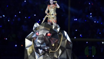 SUPER BOWL XLIX: SEVEN COSTUME CHANGES FOR KATY PERRY'S HALF