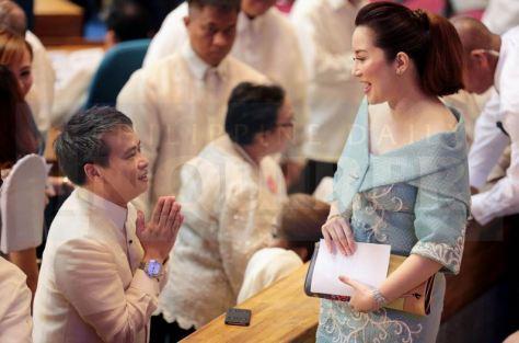 Villanueva, left, and Aquino (Photo: Philippine Daily Inquirer)